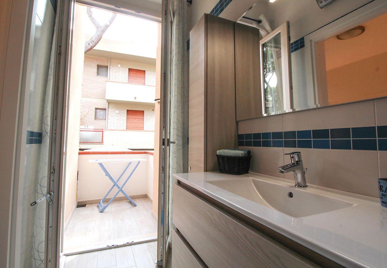 Wohnung Ancora in Marina di Grosseto - Der Komfort des Badezimmers mit Balkon