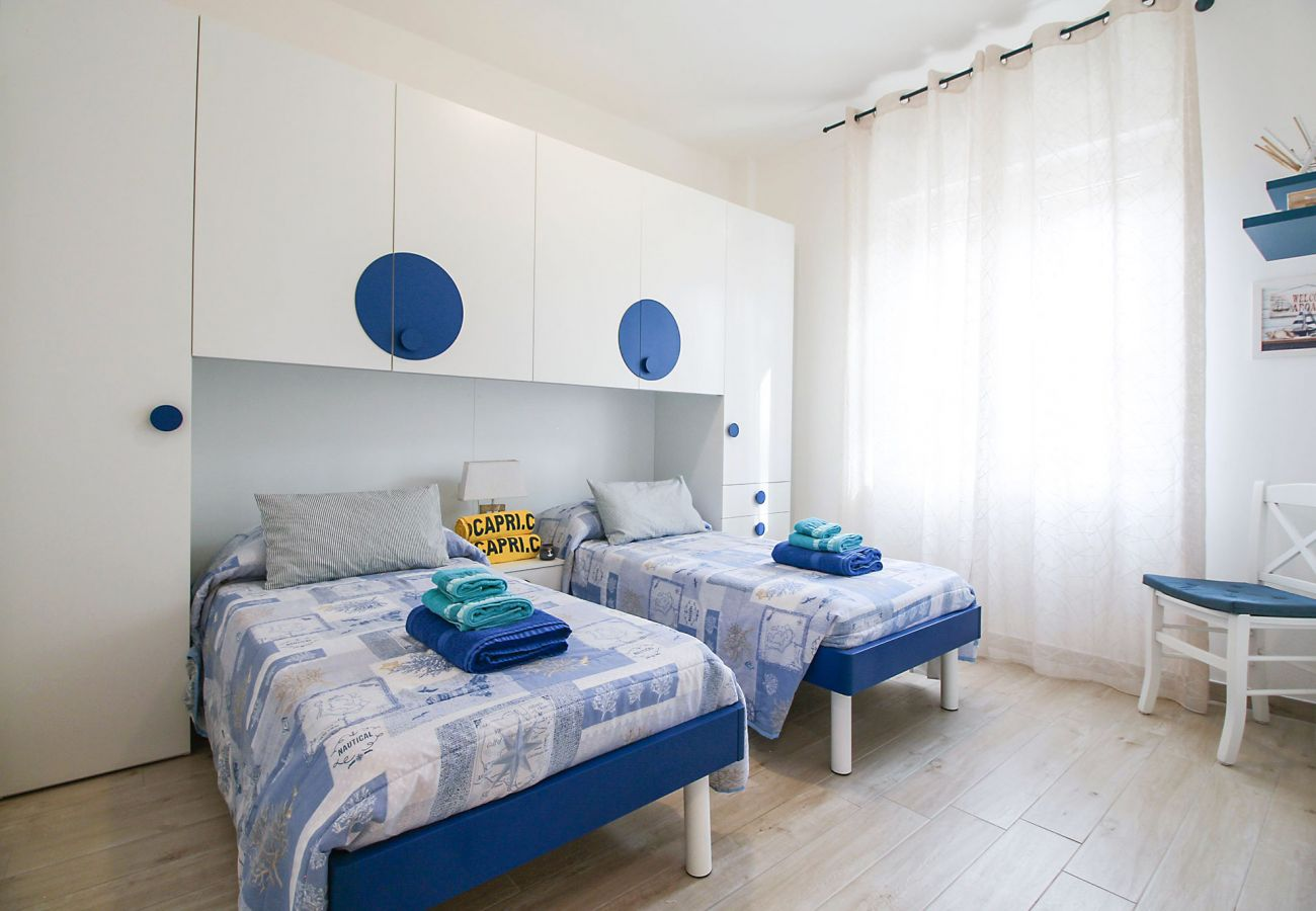 Marina di Grosseto-Wohnung Il Timone - Das farbenfrohe Kinderzimmer