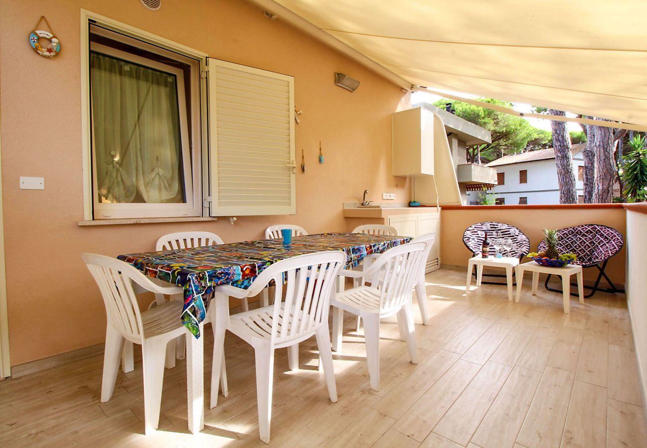 Marina di Grosseto - Wohnung  Il Timone - Mittagessen auf der Terrasse