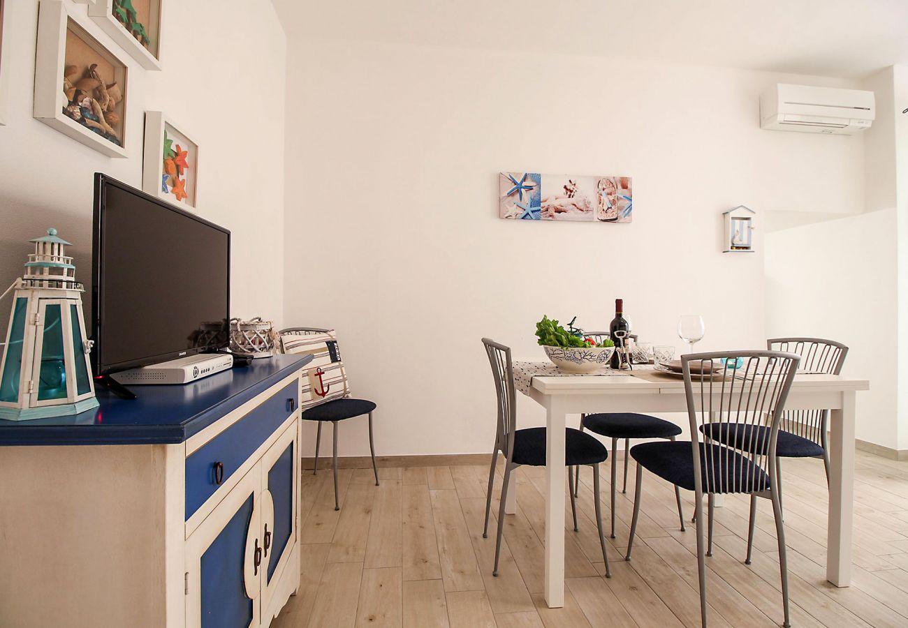 Marina di Grosseto - Wohnung L'Oblò - Das helle Esszimmer