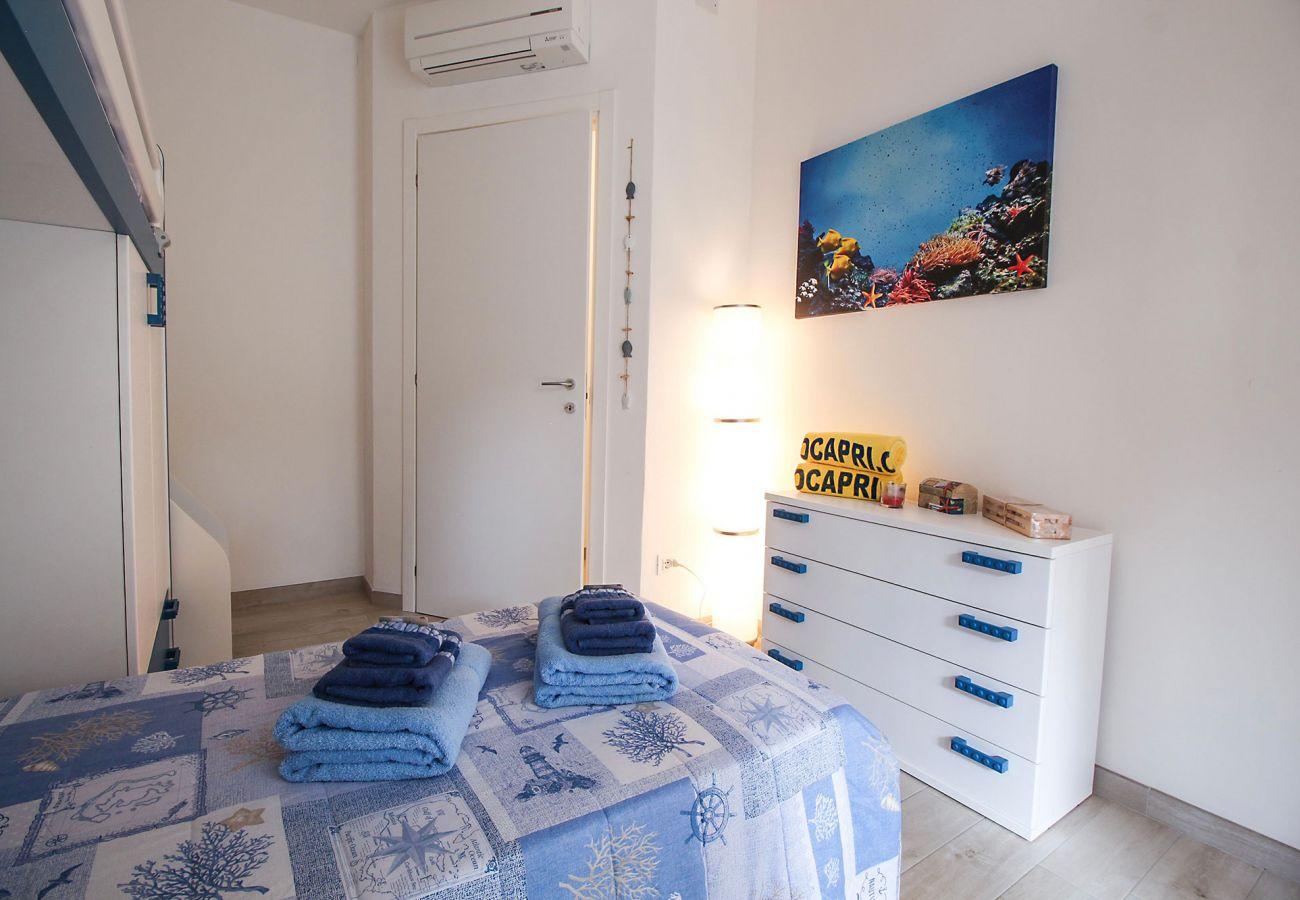 Marina di Grosseto - Wohnung L'Oblò - Das farbenfrohe Kinderzimmer