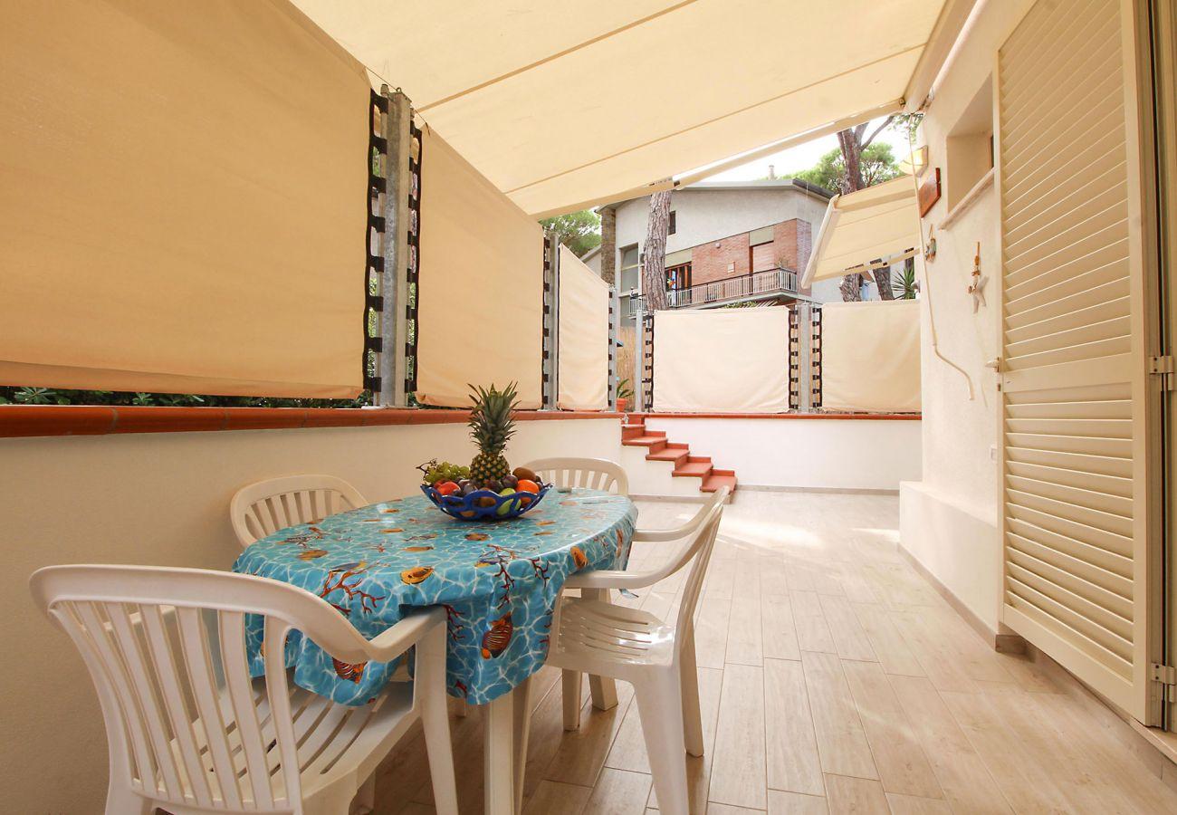 Marina di Grosseto - Wohnung L'Oblò - Essbereich auf der Terrasse
