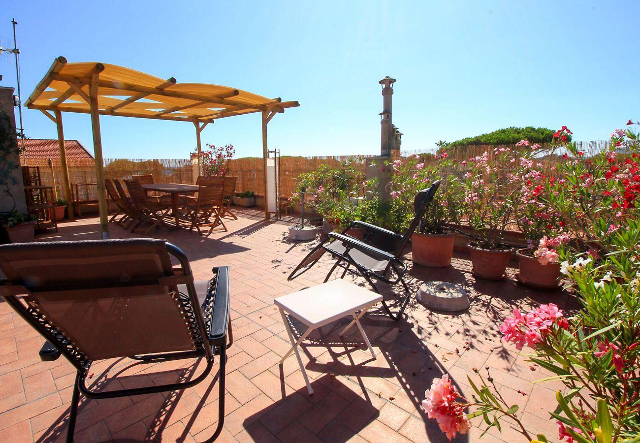 Castiglione della Pescaia - Wohnung Anna - Blick auf die große Terrasse