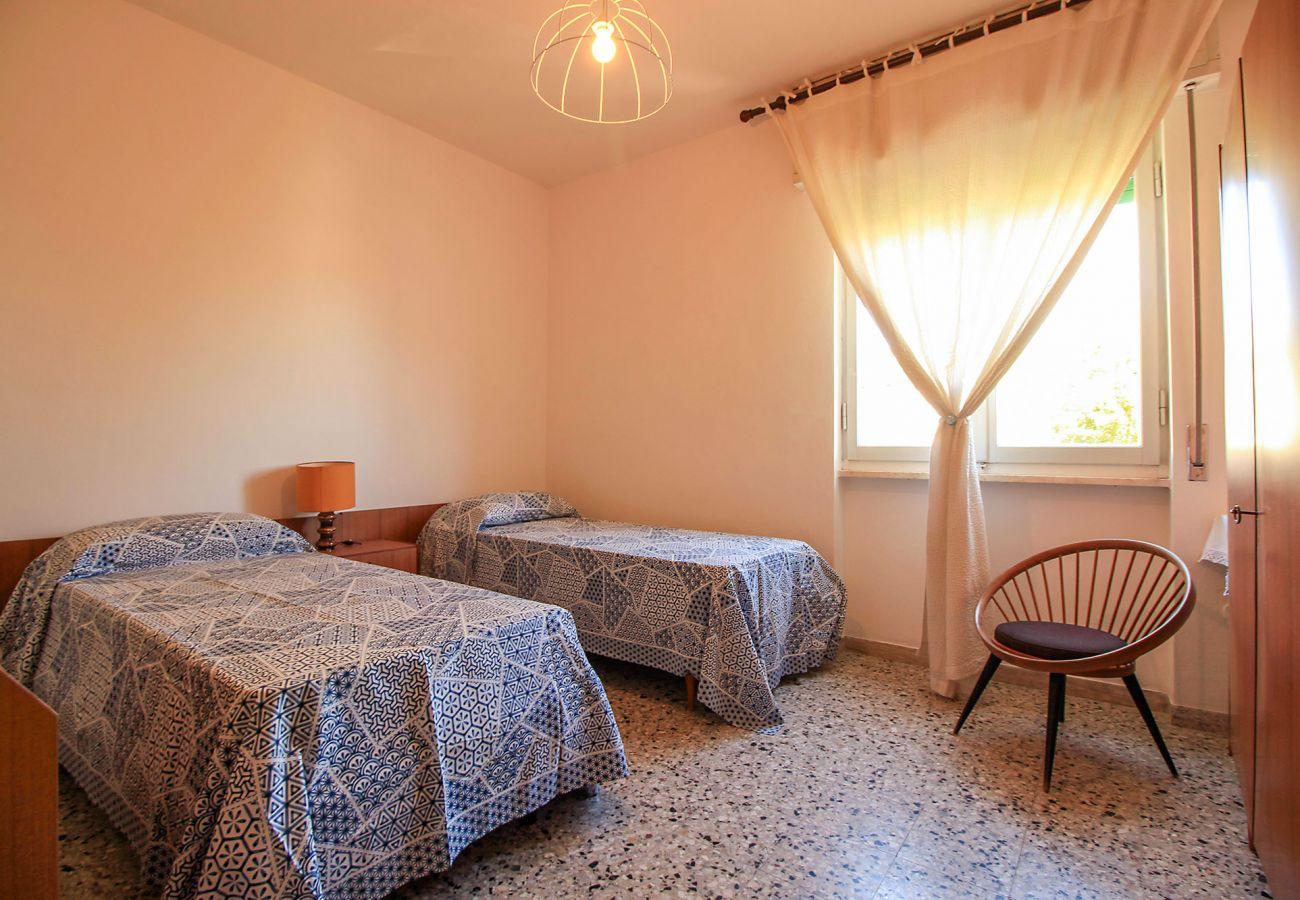 Castiglione della Pescaia - Wohnung Anna- Das zweite Schlafzimmer mit zwei Betten