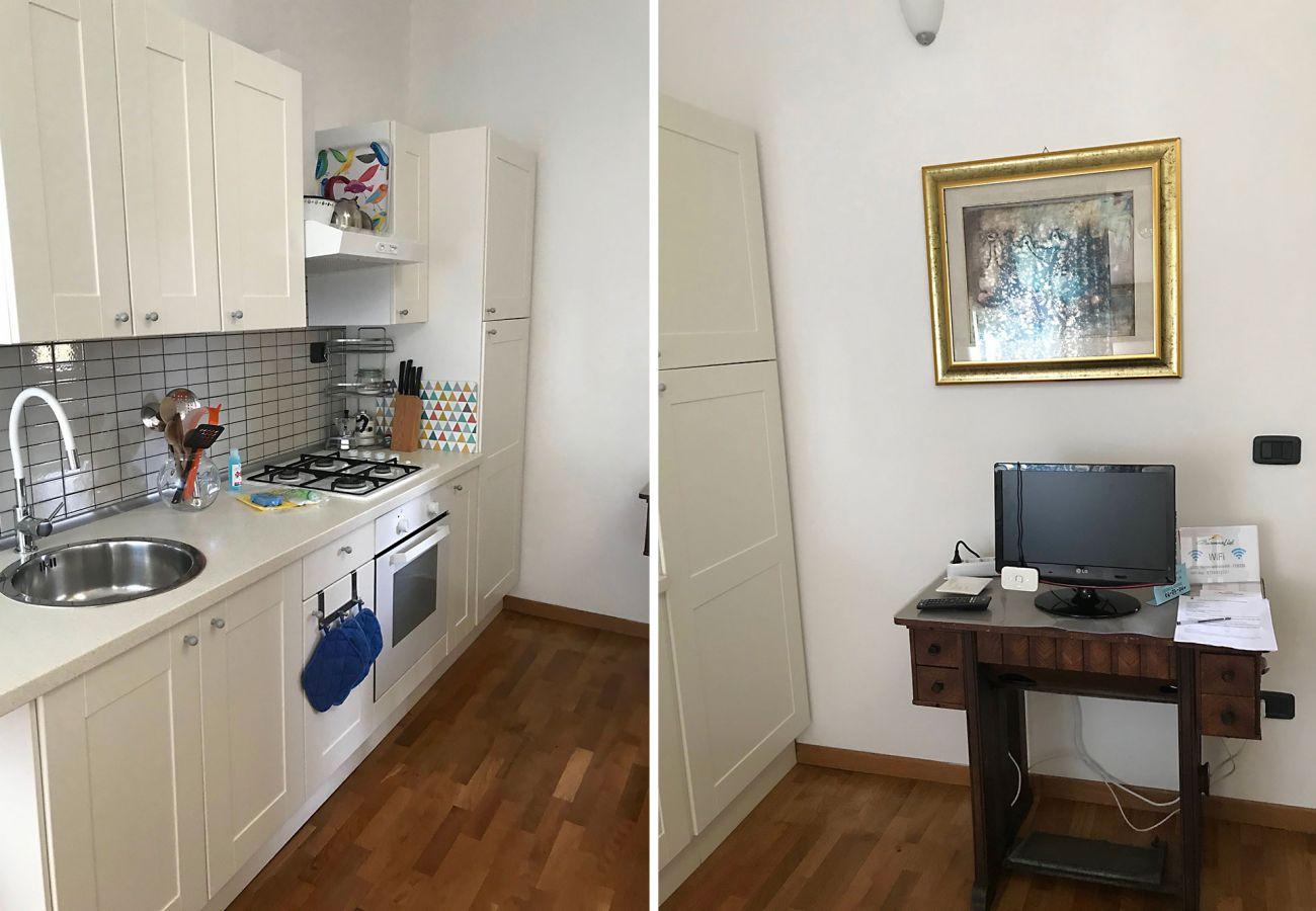 Marina di Grosseto - Wohnung Lavanda - Fernseher im Wohnzimmer