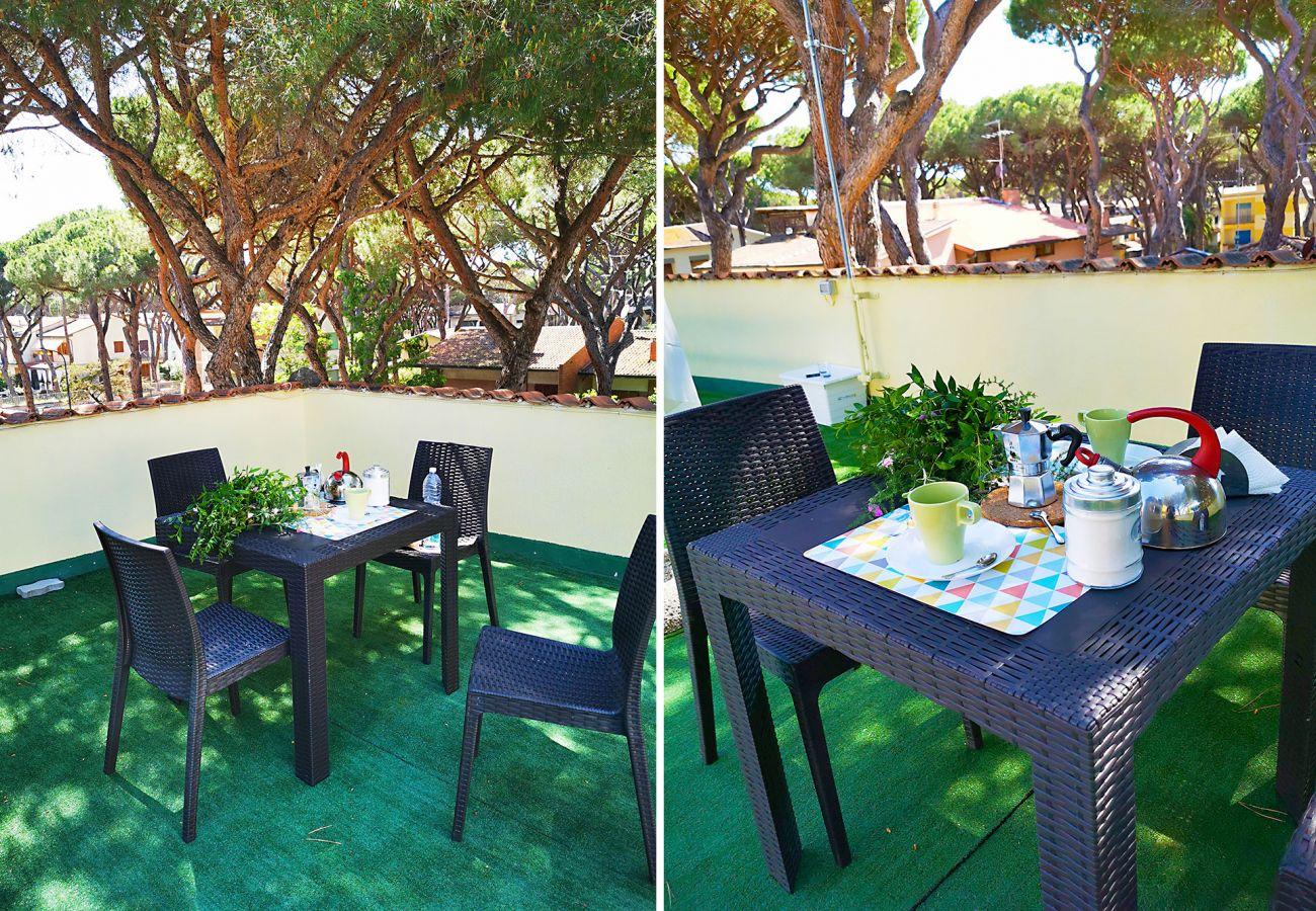 Marina di Grosseto-Wohnung Lavanda - Frühstück auf der Terrasse