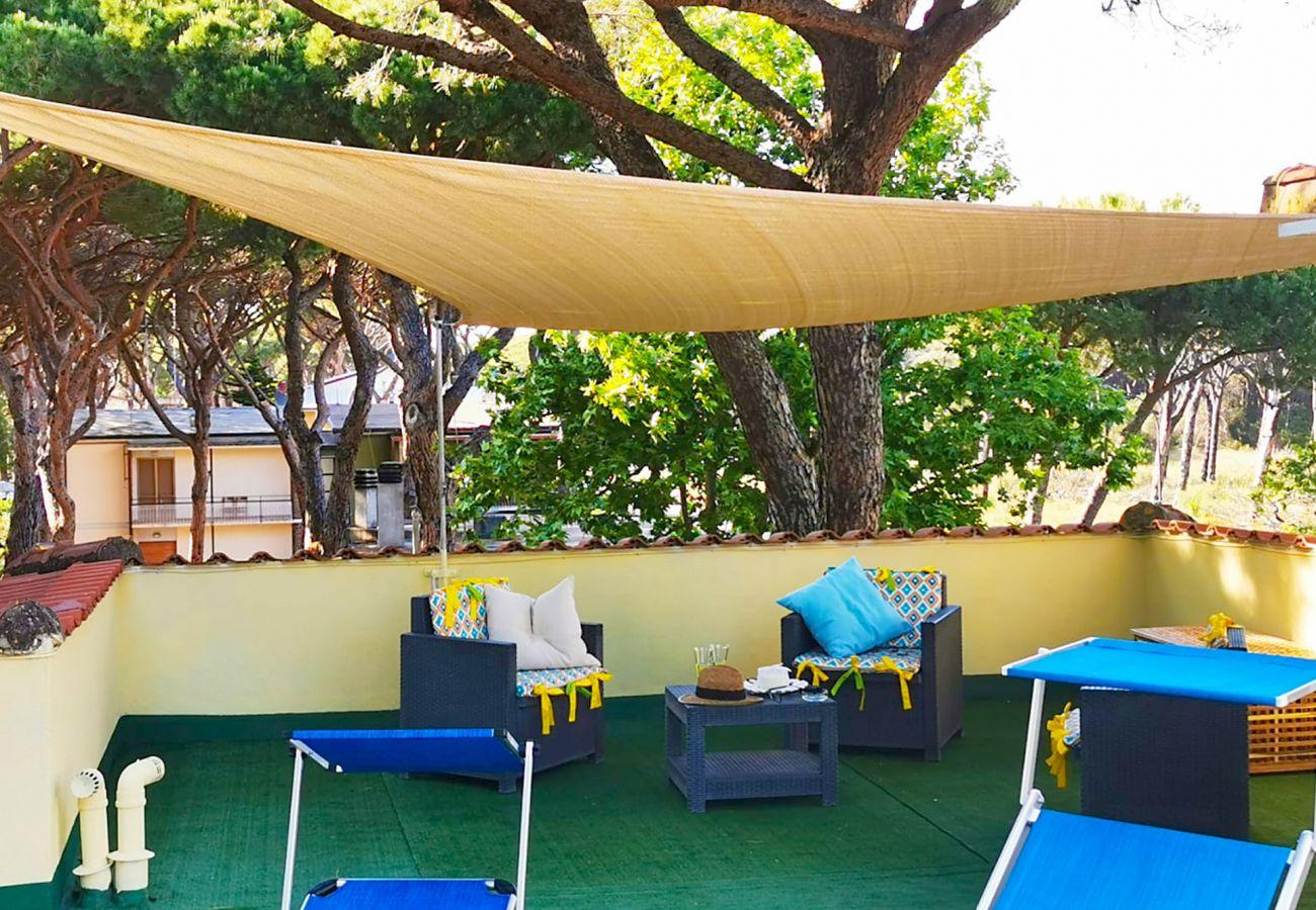 Marina di Grosseto - Wohnung Lavanda - Das Wohnzimmer auf der Terrasse