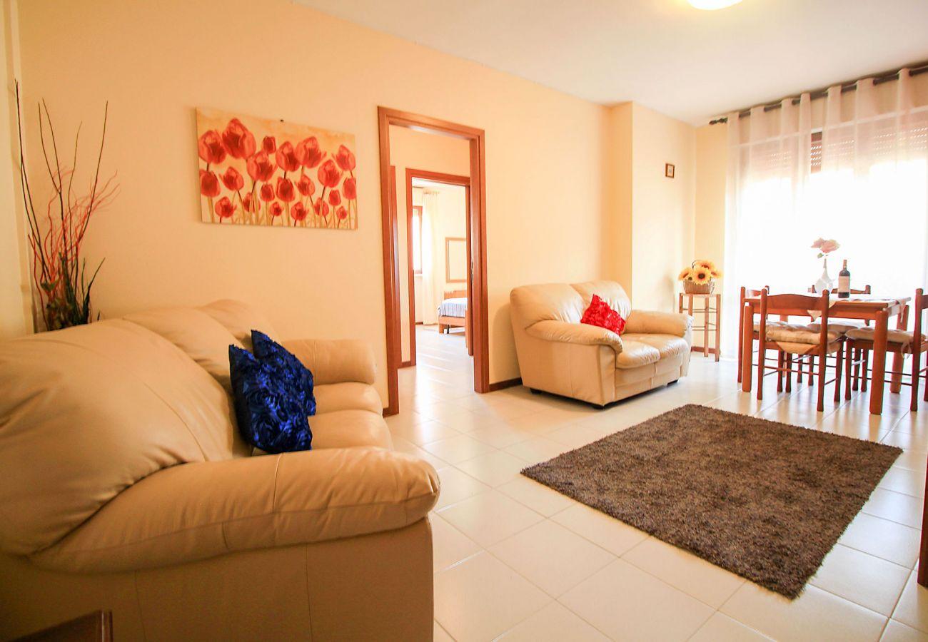 Porto S.Stefano-Wohnung Pozzarello-Das große und helle Wohnzimmer