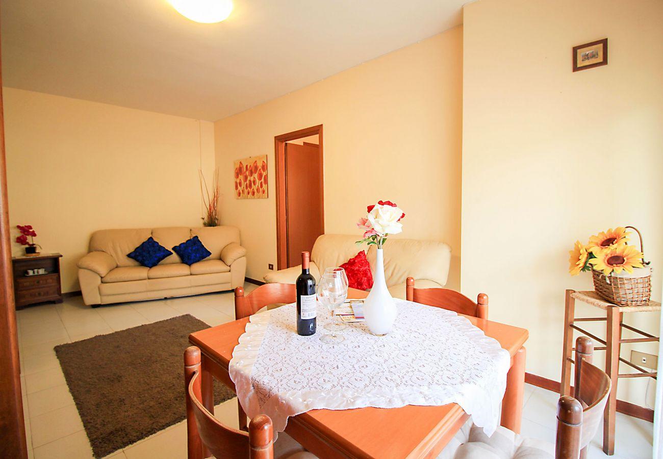 Porto S. Stefano-Wohnung Pozzarello - Blick auf das große Wohnzimmer