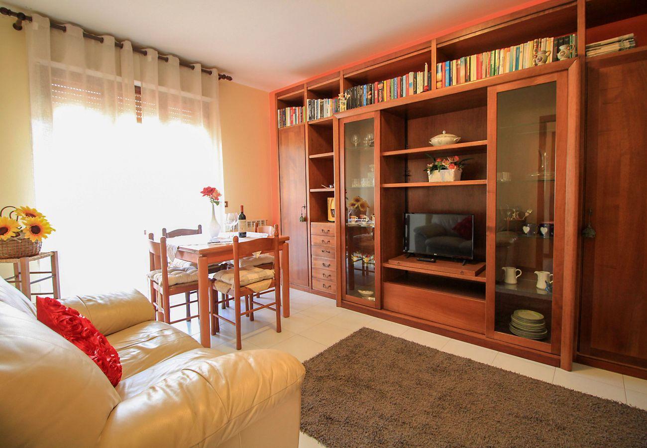 Porto S. Stefano-Wohnung Pozzarello - Das einladende Wohnzimmer