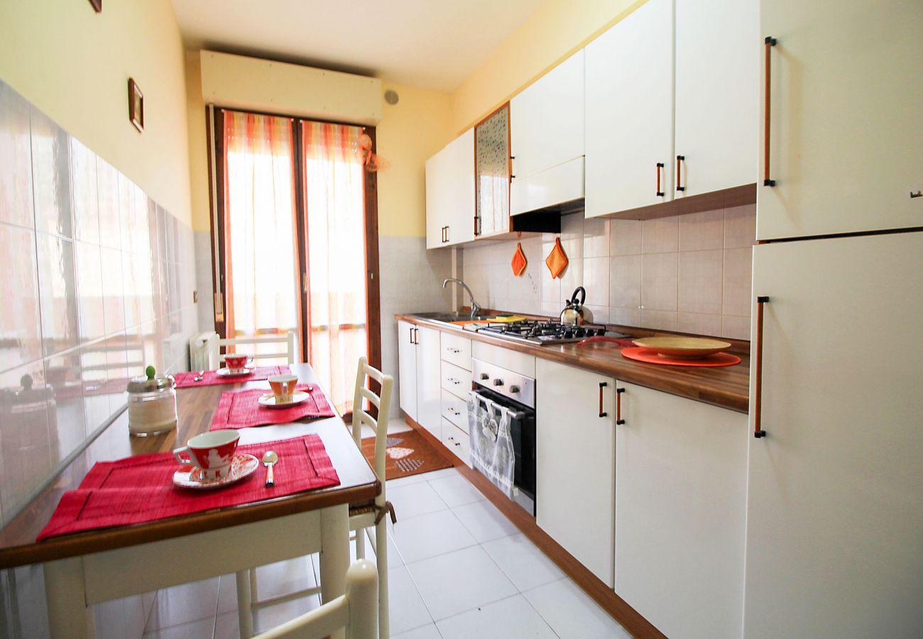 Porto S. Stefano-Wohnung Pozzarello-Frühstück in der Küche