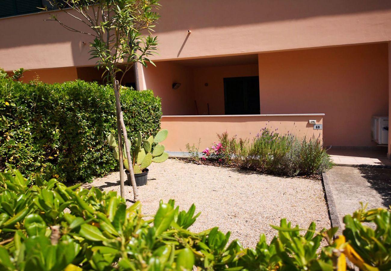 Principina mare - Ferienwohnung Bruno - Der Eingang Garten
