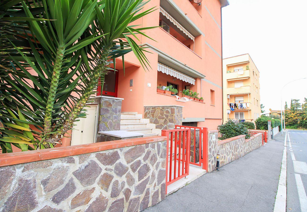 Porto S.Stefano - Appartement Pozzarello - L'entrée de l'immeuble