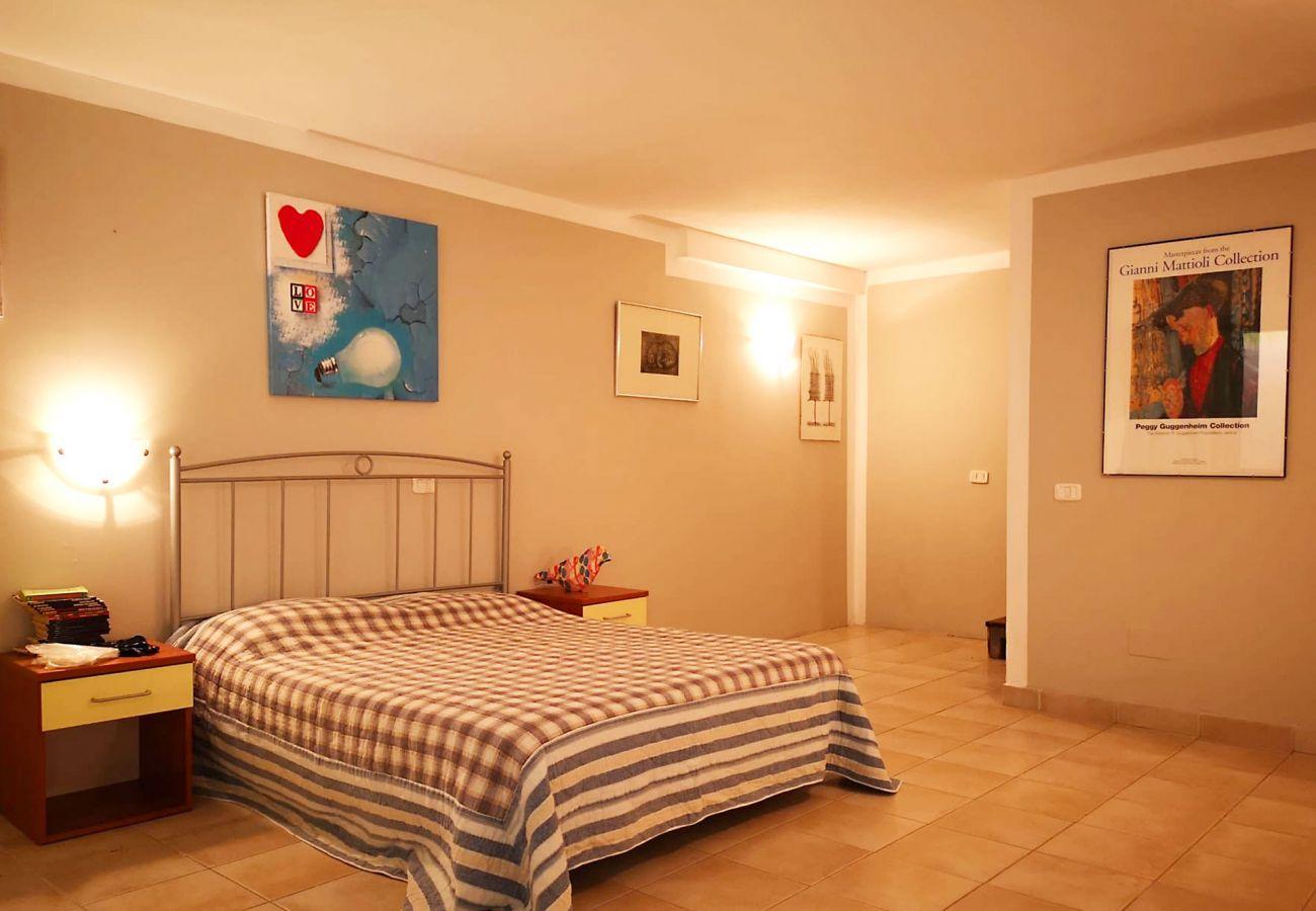 Principina Mare - Bruno Appartement - Le lit du étage inférieur