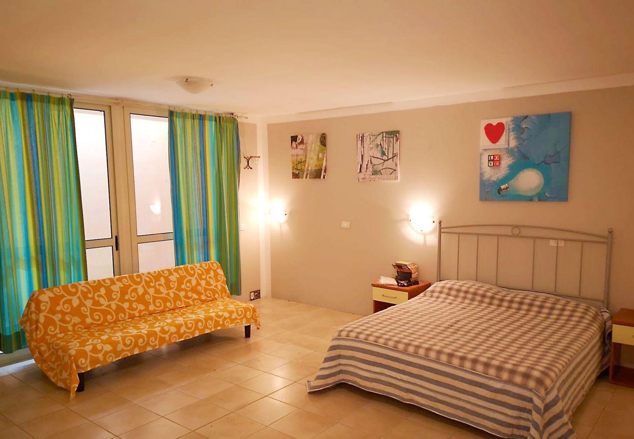 Principina Mare - Appartement Bruno - La chambre avec air conditionné