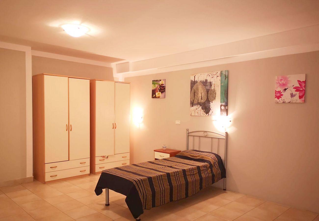 Principina Mare - Appartement Bruno - Le lit simple