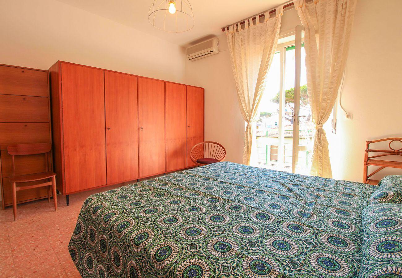 Castiglione della Pescaia - Appartamento Anna- il letto matrimoniale