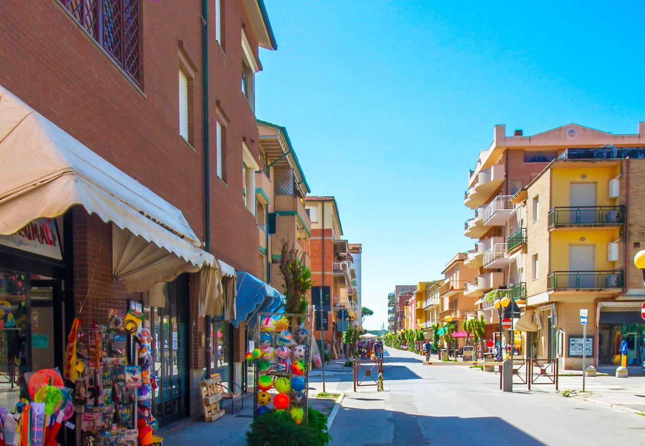 Marina di Grosseto- La strada pedonale