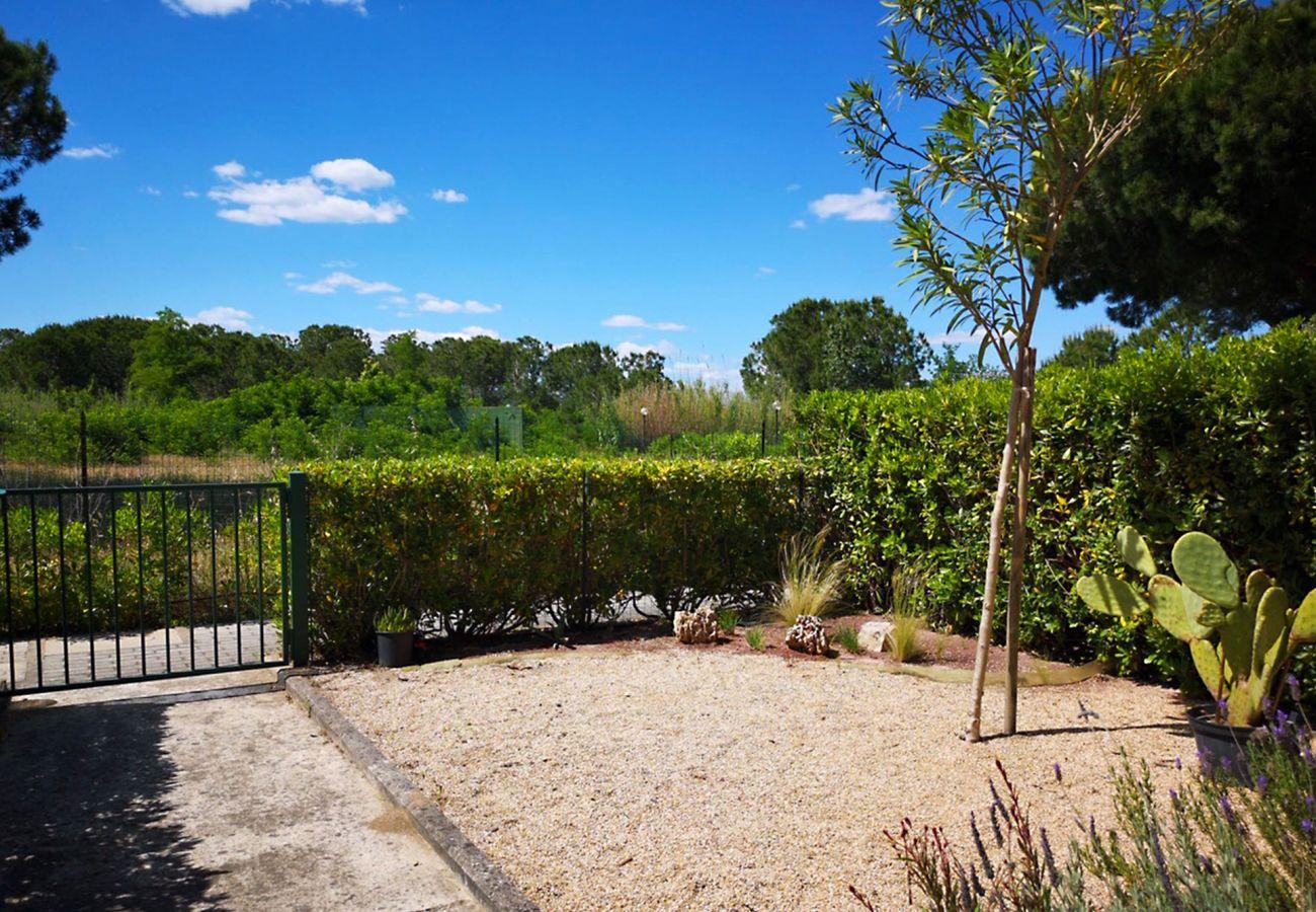 Principina Mare- Appartamento Bruno - L'ingresso al giardino privato