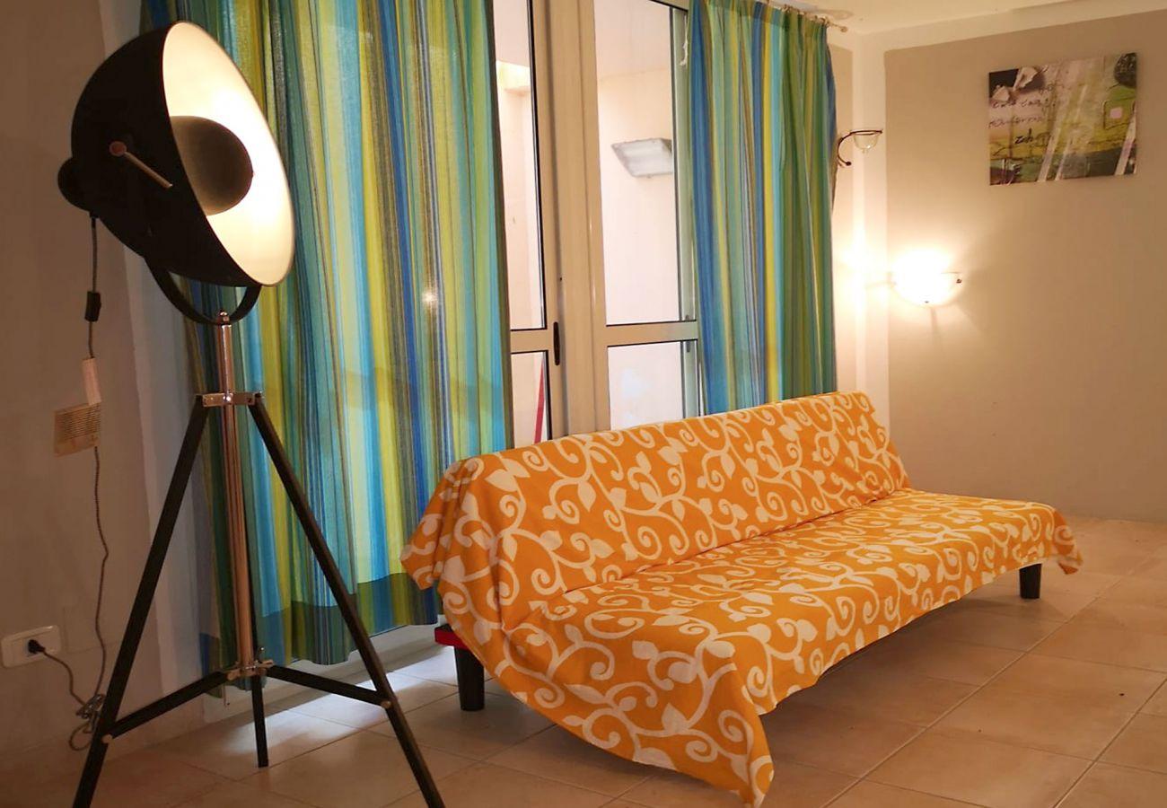 Principina Mare - Appartamento Bruno - Il piano inferiore luminoso