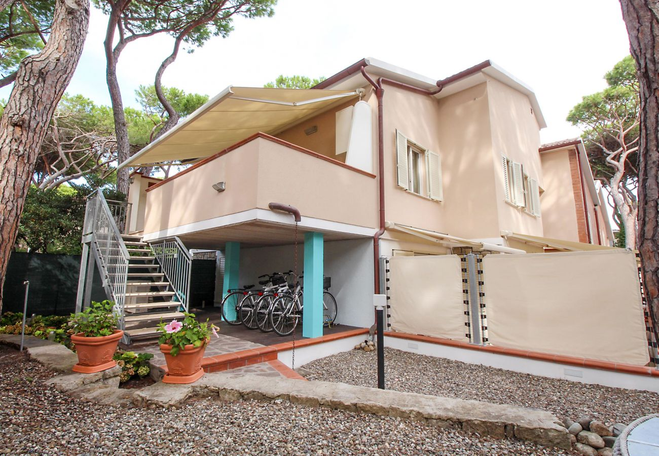 Marina di Grosseto - The entrance to the Il Timone apartment