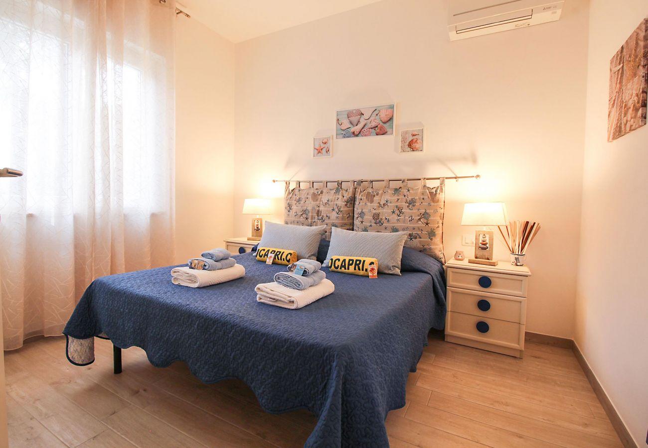 Marina di Grosseto-Il Timone Apartment - The air-conditioned bedroom
