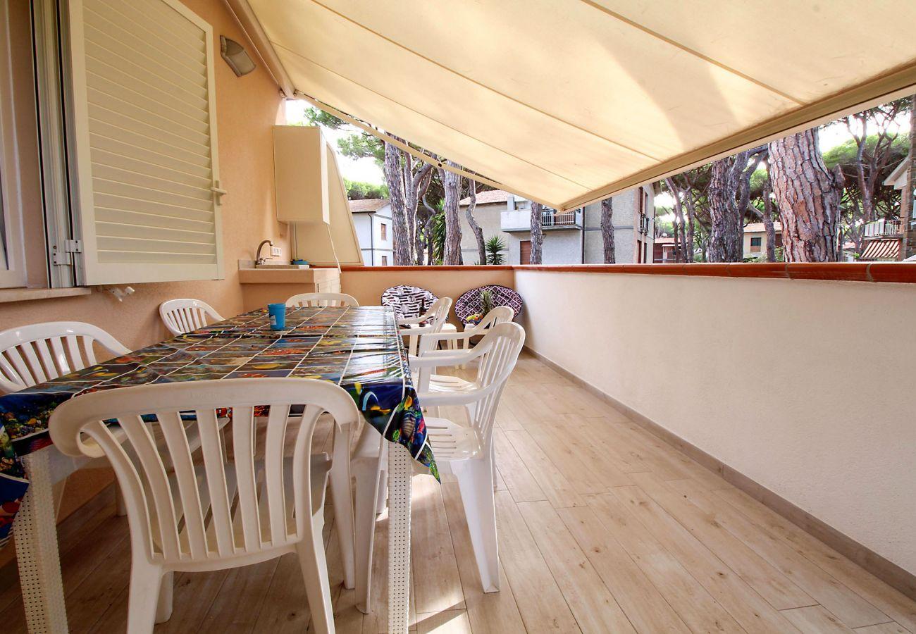 Marina di Grosseto - Il Timone Apartment - Outdoor dining