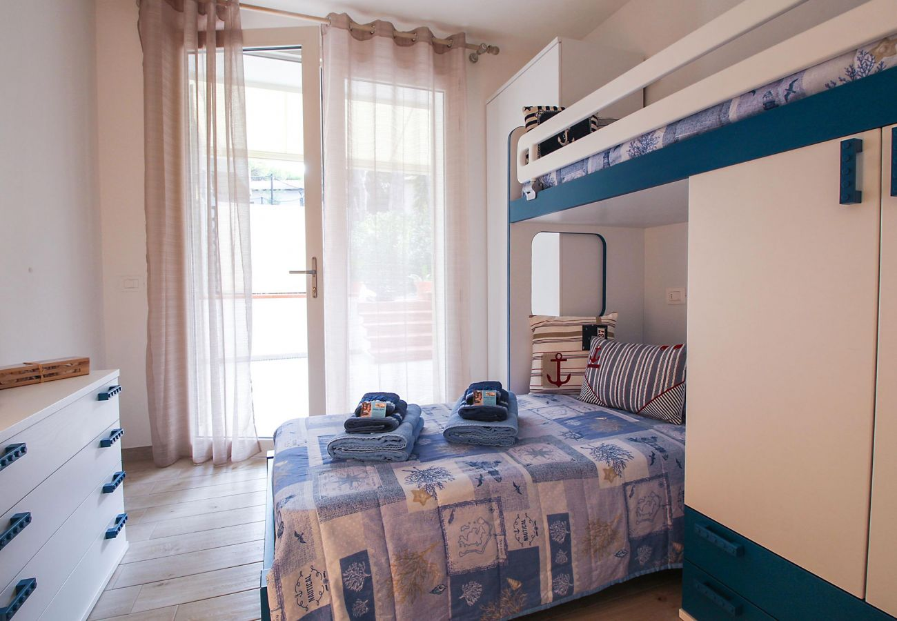 Marina di Grosseto - L'Oblò Apartment - The bunk bed