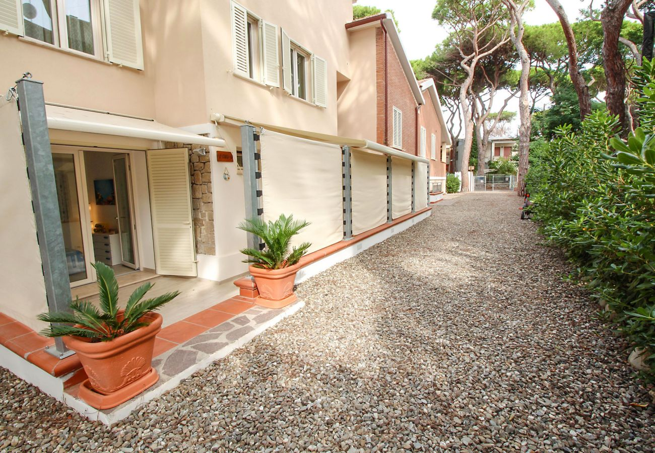 Marina di Grosseto - L'Oblò Apartment - The driveway