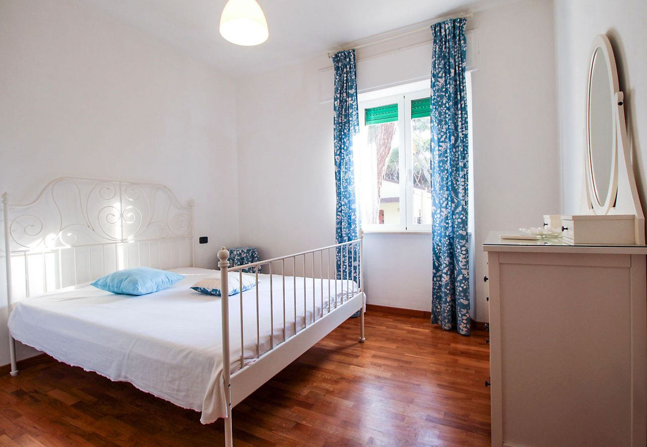 Marina di Grosseto-Lavanda Apartment-The bright bedroom