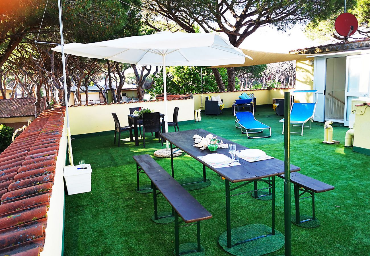 Marina di Grosseto - Lavanda Apartment - The living room on the terrace
