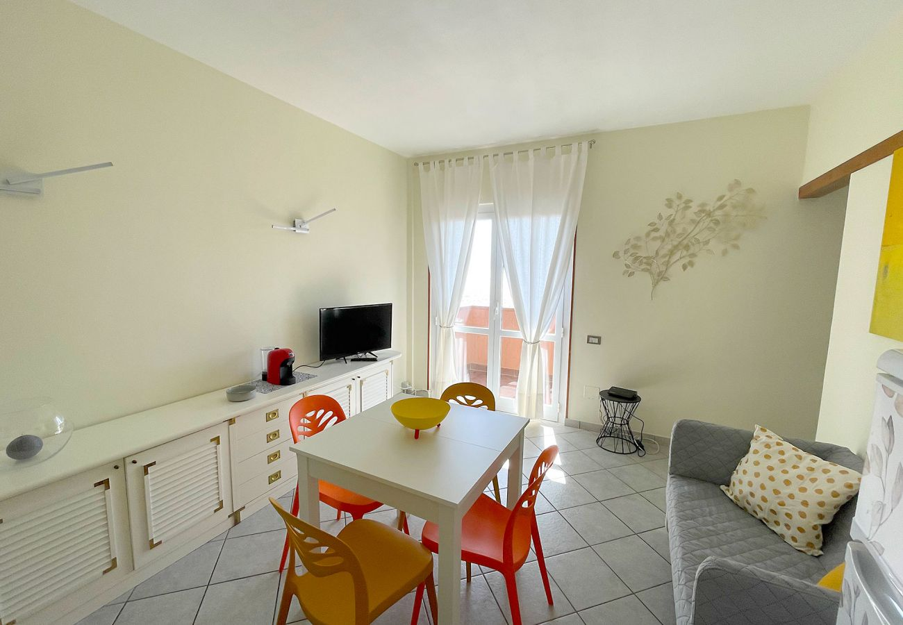 Apartment in Albinia - Appartamento La Ginestra